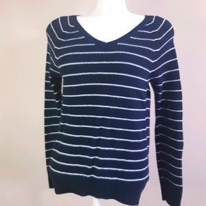 GAP | 55% cotton, Great striped v neck knit top